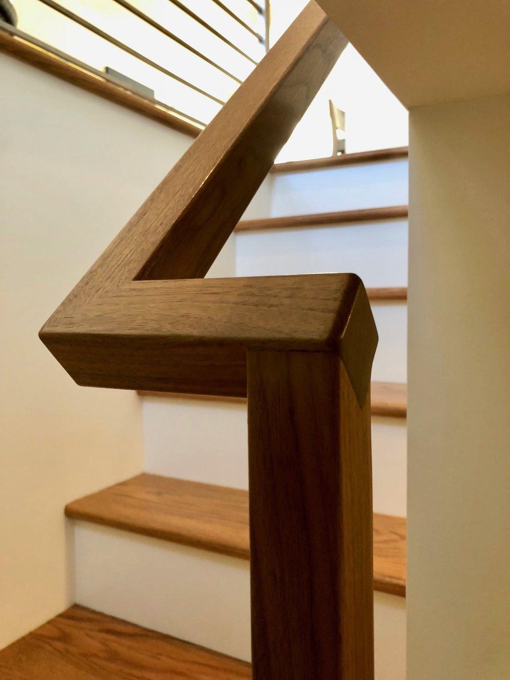 Handrail1.jpg