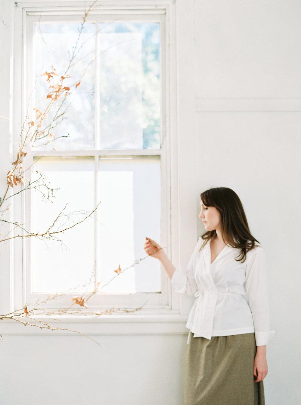 sandra-chau-stylist-fine-art-branding-shoot-mishku-studio070.jpg