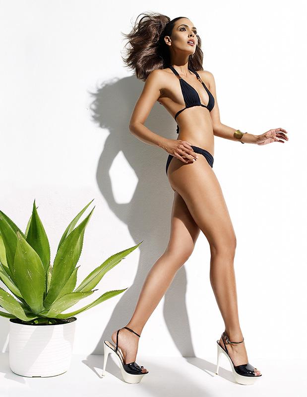 Brunette woman in two piece minimal bikini - Mark DeLong: Fashion Gallery