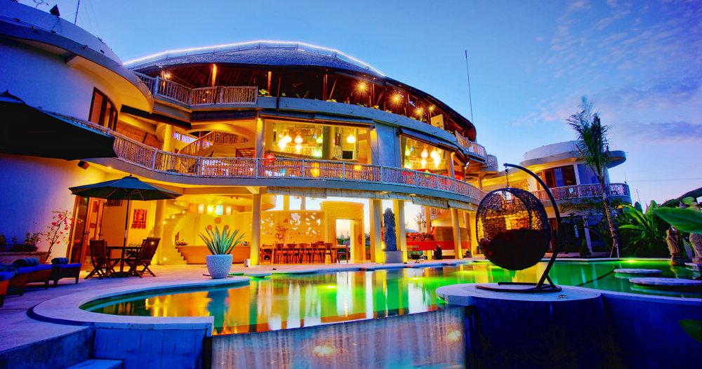 pool hotel full.jpg