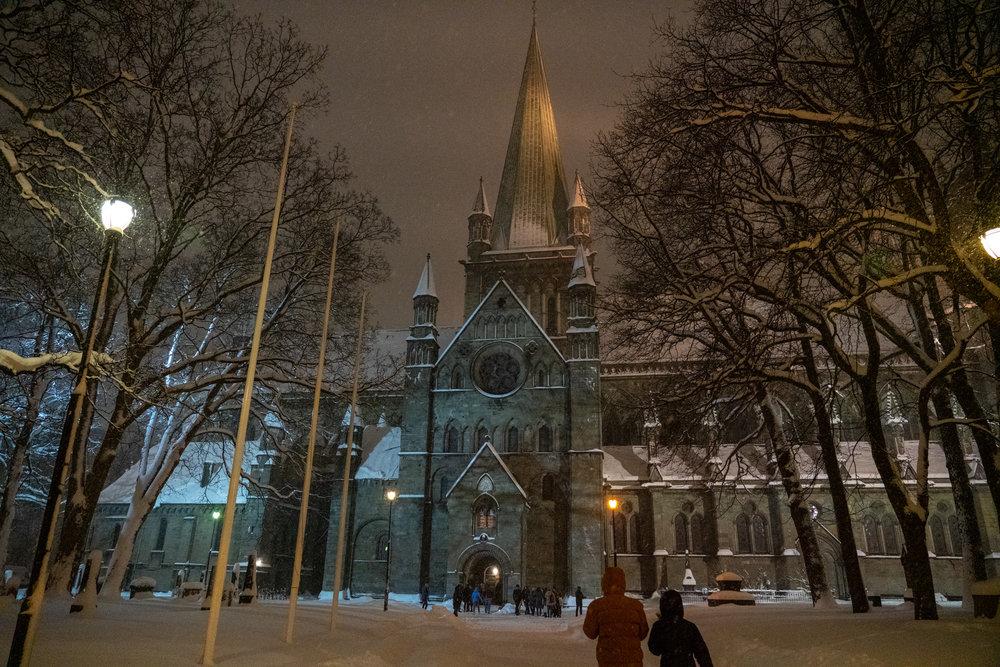 Nidarosdomen i sin kalde vinterprakt. Foto: Miroslav Boljevic.