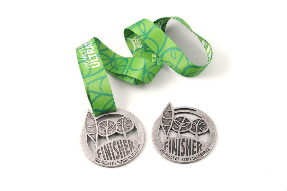 medalja na bijelom.jpg