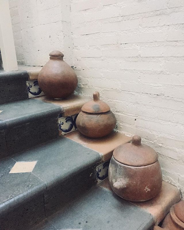 STEP BY STEP . Happy 2019! How did you spend the first day of the new year? I spent the last few days in a hotel that has lots of nice interior design features. From rustic pottery to baskets, metalwork and industrial light fixtures...there were so many inspiring ideas I'd like to borrow for my own home 😉  #tactiletrends #sustainablility #sustainabledesign #sustainableblogger #consciousdesign #sustainablefashion #zerowaste #slowfashion #greendesign #design #art #inspiration #creativeminds #communitynotcompetition #communityfirst #düsseldorf #manchester #madrid #interiordesign