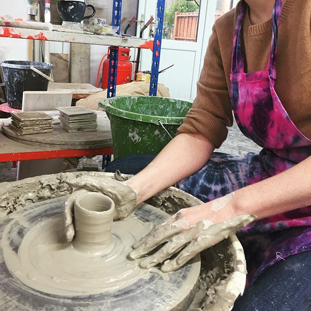 WORKING WITH CLAY . I stepped out of my comfort zone over Christmas and tried working with clay guided by the expertise of my uncle who has been making pots his whole life!  It was an awesome experience to try something new but overwhelming when you realise how many hours go into a craft like this...good results take time! I'll be sharing my experience on the blog soon👌 . #capturemycraft  #potterybeginner  #designermaker #stoneware #potteryforall #wheelthrown #kilnfolk #artisan #claystagram #potteryworkshop #potteryclass #makersmovement #craftsmanship #claylife #creativelifehappylife #doitfortheprocess #risingtide #makersgonnamake #madeinwales #creativeprocess #showyourwork