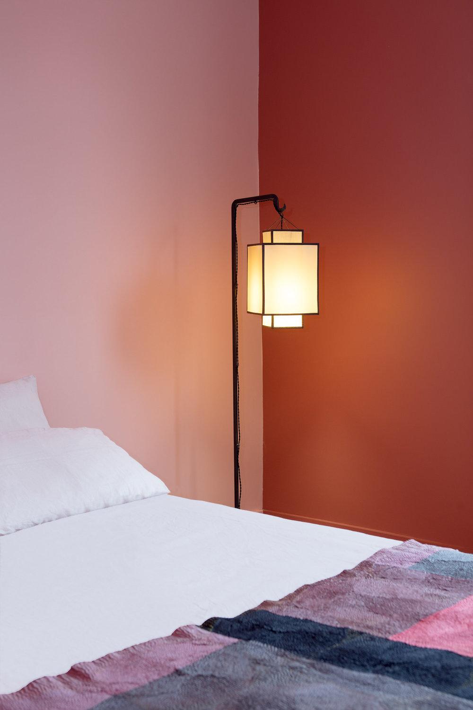 Chambre parents Zoom lampadaire.jpg
