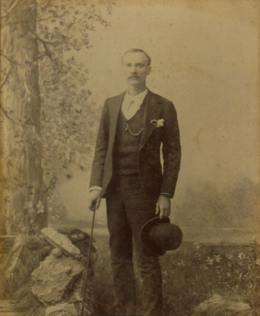 A dapper Kit Campbell in about 1890.