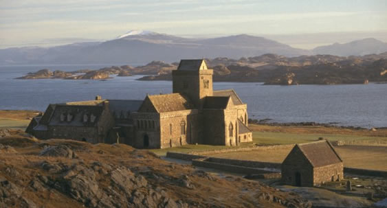 Iona-Abbey-2.jpg