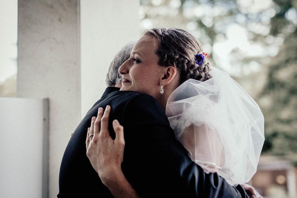 In-Love-with-a-Wolf-Hochzeitsfotograf-Coburg-Mitwitz-Nürnberg-Erlangen-Fürth-11.jpg
