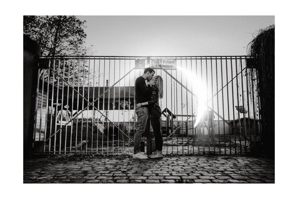 06_Carina & Fabian - Paarshooting-9_hochzeit_paarshooting_hochzeitsfotograf_nürnberg_intimatecouple.jpg