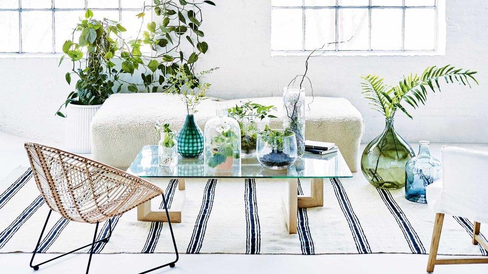"""Sur une table, avec de jolies bougies ou des huiles essentielles, pour des moments hautement """"hygge"""" !"""
