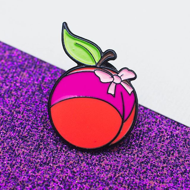 Bikini Peach! Get ready for the heatwave!  #pingame #peach #food #bikini #pink #bow #cute #accessories #pincommunity #pincollection #pincollector #badge #lapelpin #pin #pingamestrong #beach #enamelpins #enamelpin
