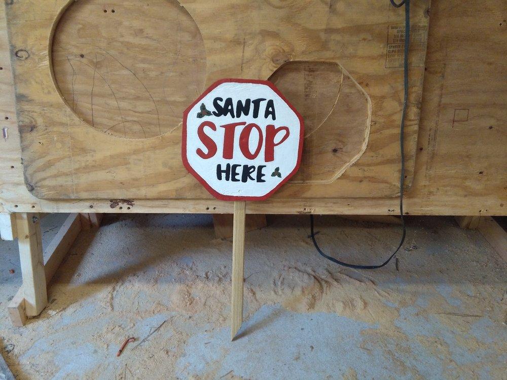 Sharpsburg_Woodworke santa stop sign.jpg