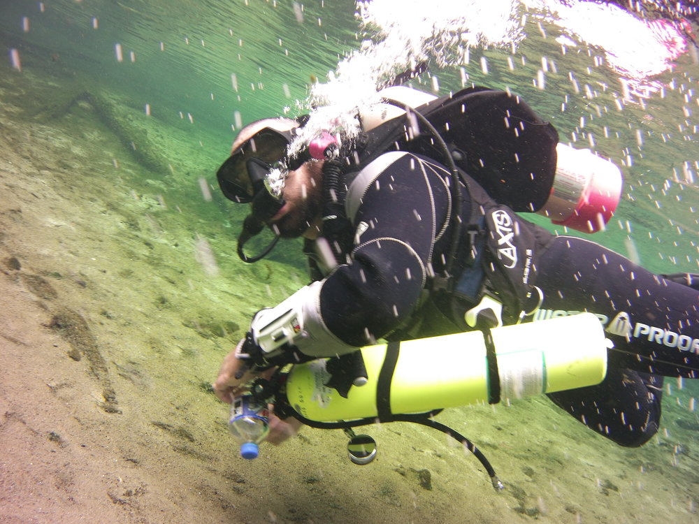 Self Reliant Diver - Does your buddy tend to run off without you. Becoming a self-reliant diver expands your knowledge and skill set to handle problems if you end up alone while diving.