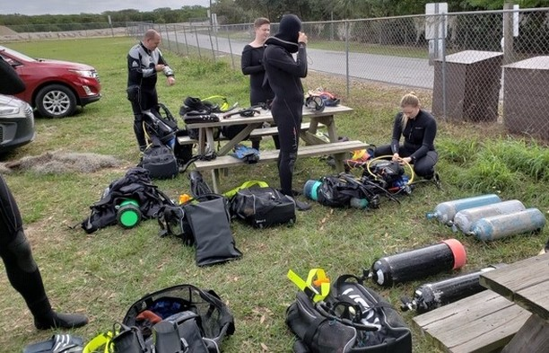 Great weekend of diving for our Pro Divemaster students at Lake Denton and Devil's Den. #Orlando #Florida #Scubadiving #underwater