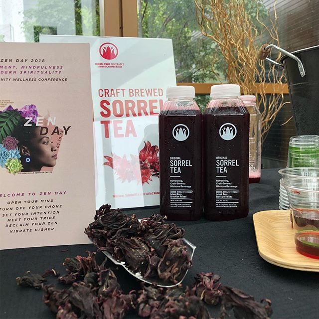 Sharing our delicious sorrel tea with the crowd @weeksvilleheritagecenter #zenday