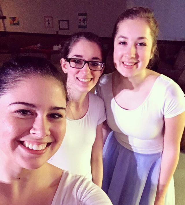 Just a little break during rehearsal...😉#selfie #thestoryballet2017 #rehearsal #thestoryballet #family
