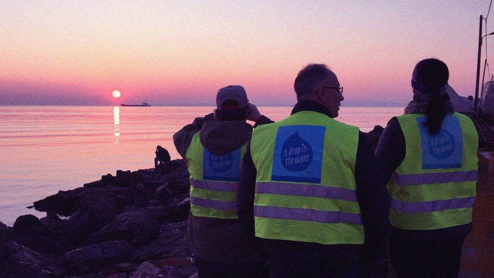 Frivillige ved havnen i Chios. Foto: Dråpen i Havet.