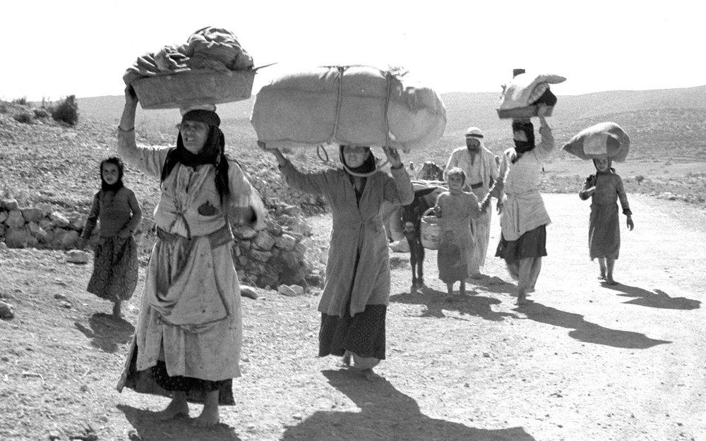 Palestinian refugees escaping the 1948 palestine war. Photo: Eldan David.
