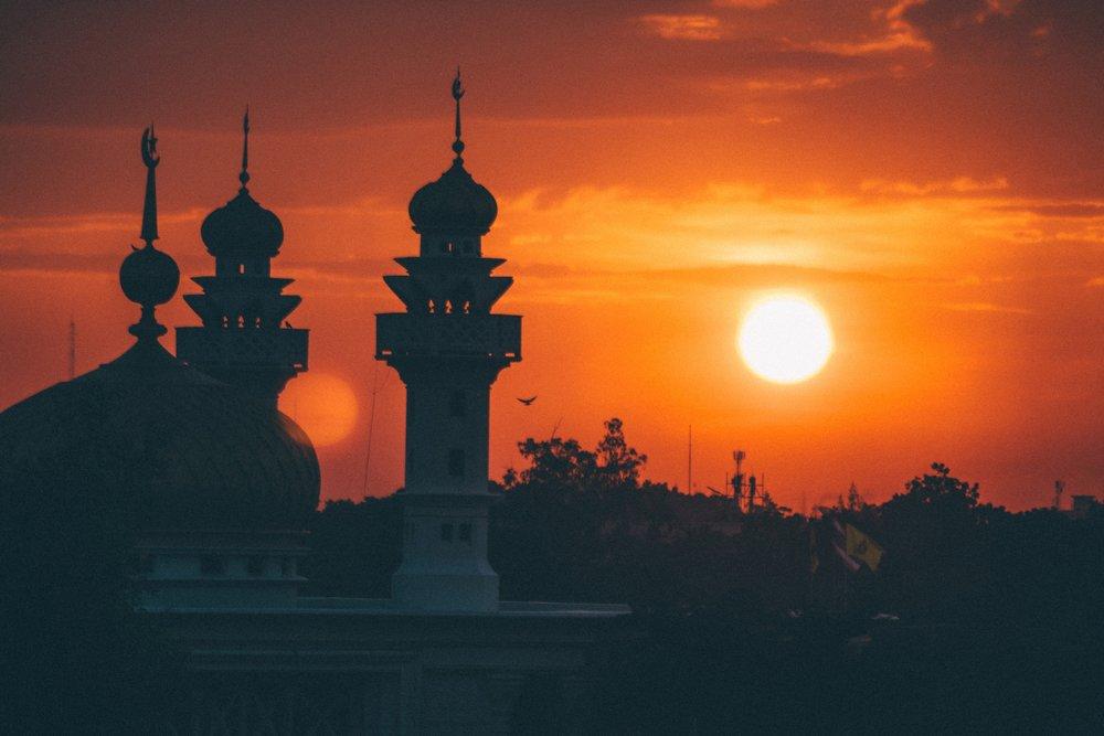 Moske i solnedgang (Foto: Pixabay)