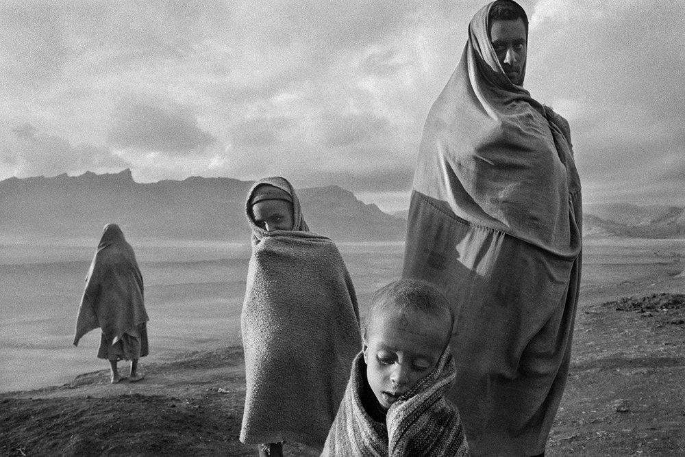 Korem camp, Ethiopia 1984 (Bilde: © Sebastião SALGADO)