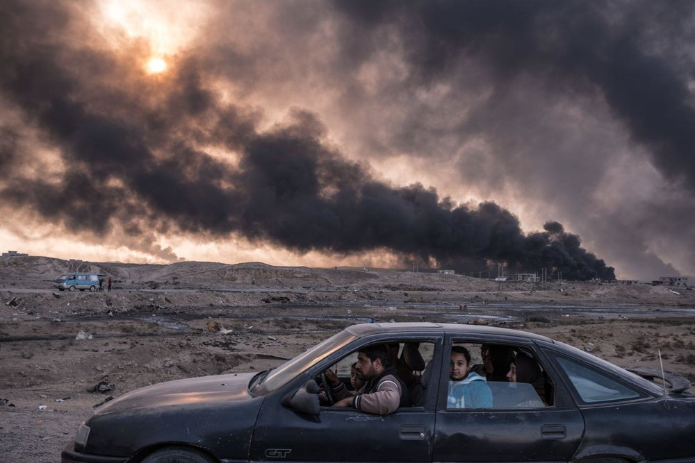 """Iraq's Battle to Reclaim Its Cities"" by Sergey Ponamarev (Second prize winner at  ""  World Press Photo - 2016 "")"