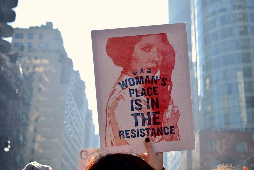 Plakat fra kvinnemarsjen i USA, 2017 (bilde: Pixabay)