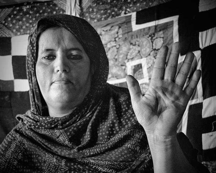 En saharawisk kvinne i Gdeim Izik leiren.