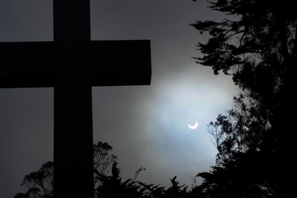 Mt. Davidson cross and the eclipse by The Scott courtesy of Flickr