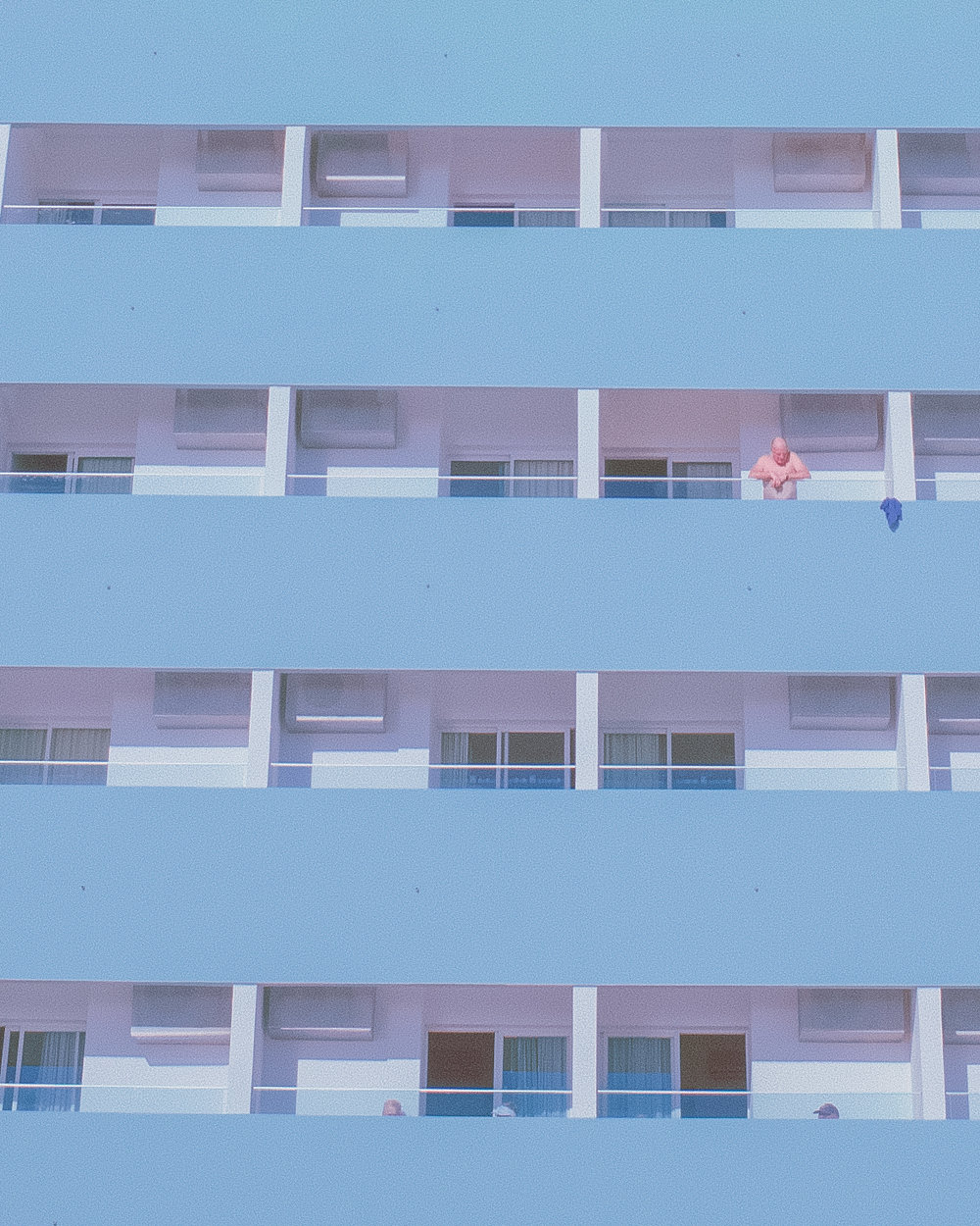 SUMMERTIME I, Hometown Series    Edition of /10 + 1 AP C-Print on Fujifilm Supreme Lustre Signed and numbered by the artist 29.7 × 21 cm Algarve, Portugal, 2017