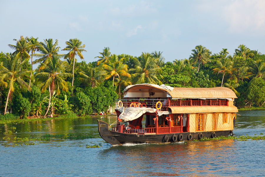 India_kerala_bigstock-Houseboat-on-Kerala-backwaters-26339252.jpg