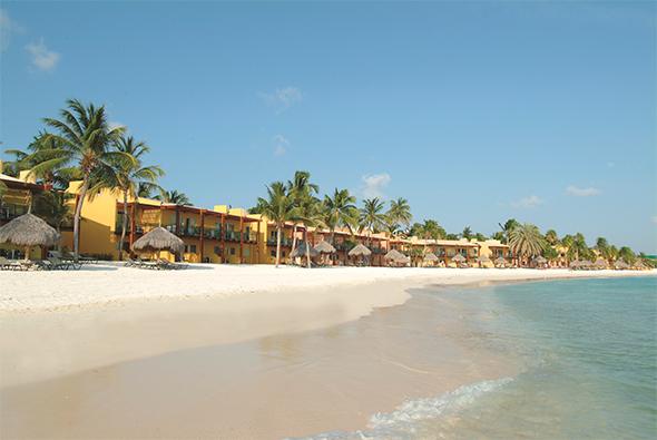 Aruba og Tamarijn Aruba All-Inclusive er barnevennlig, alle måltider inkludert, alle rom med havsutsikt, flott beliggenhet.