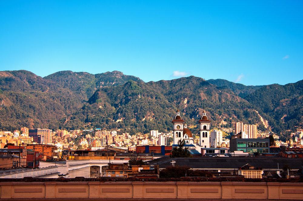 Fargesprakende Colombia med Bogotá. Fantastiske natur- og kulturopplevelser. Fra foten av Andesfjellene, via kaffens gylne triangel, inn i regnskogen og videre til Cartagena.
