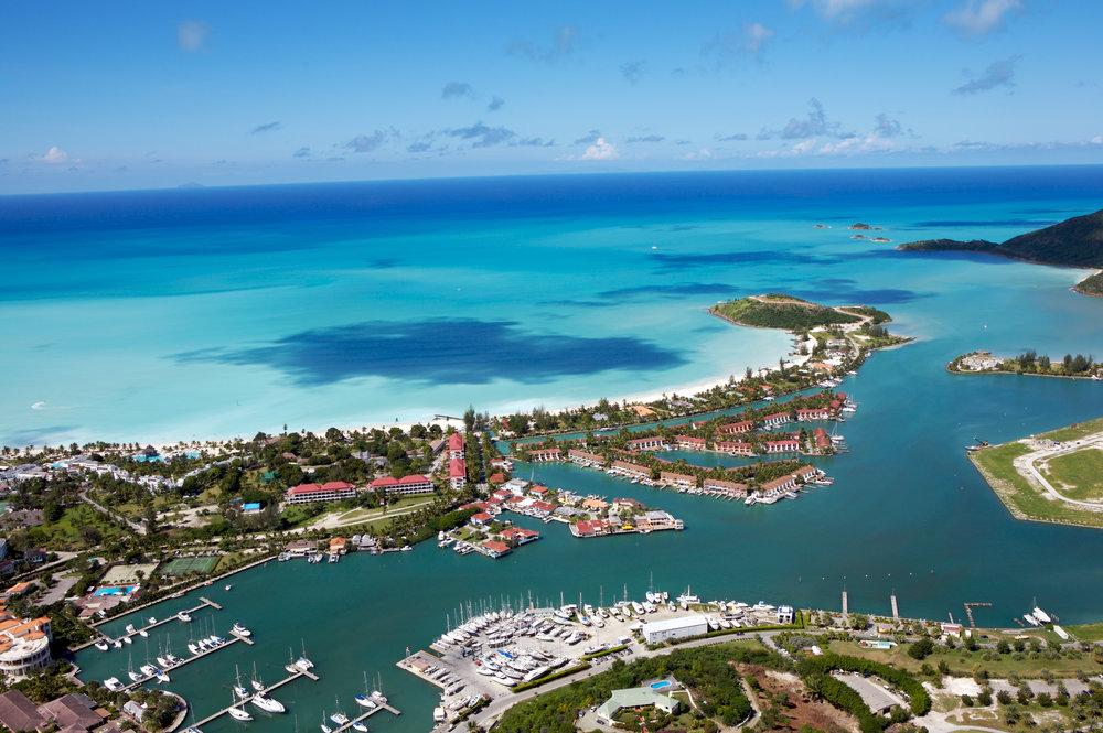 Antigua har 365 strender, perfekt for de som drømmer om strandferie i Karibien. Espnes tilbyr mange reiser til Antigua