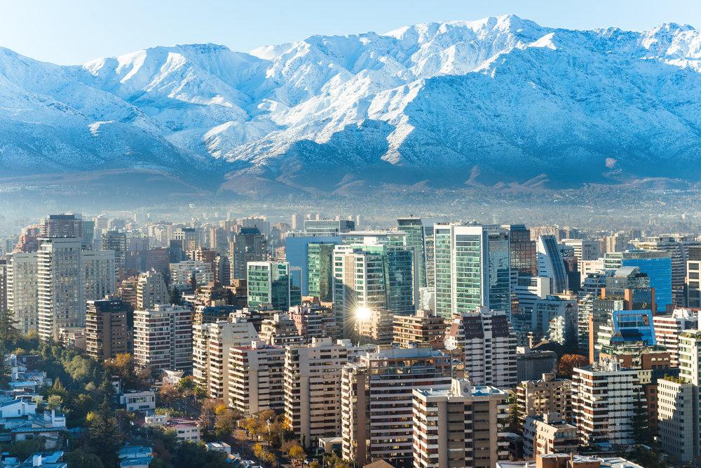 Opplevelsesferie i vidunderlige Chile. Et land av kontraster Atacama, Osorno vulkanen, Santiago de Chile, strandliv, vingårder, byer og vulkanske grotter