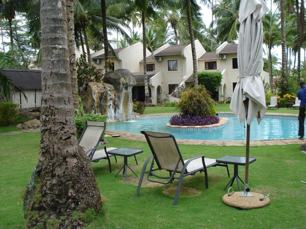 Omali Lodge på Sao Tomé er en flott resort hvor rommene ligger i små hus som omkranser bassengområdet