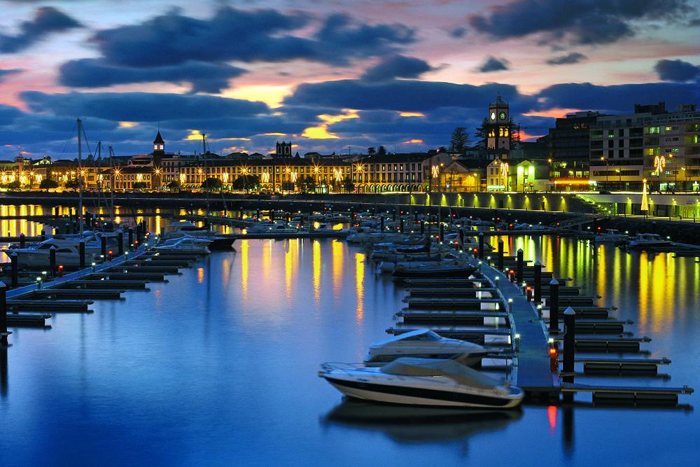 Ponta Delgada - Den vakre og spennende hovedstaden på Azorene. Ponta Delgada ligger på øya Sao Miguel