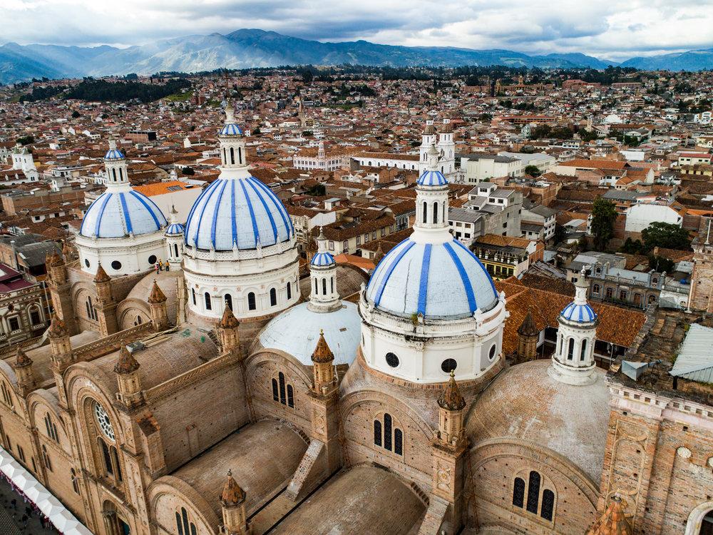 Ecuador_cuenca_bigstock--220398229.jpg