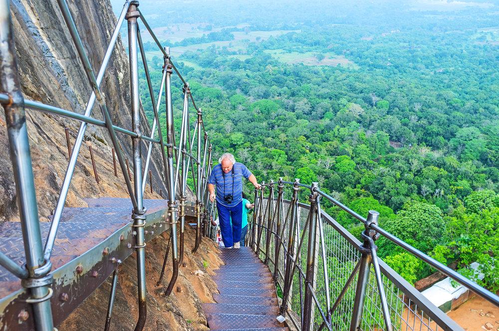 srilanka_lionsrock_bigstock--180332908.jpg
