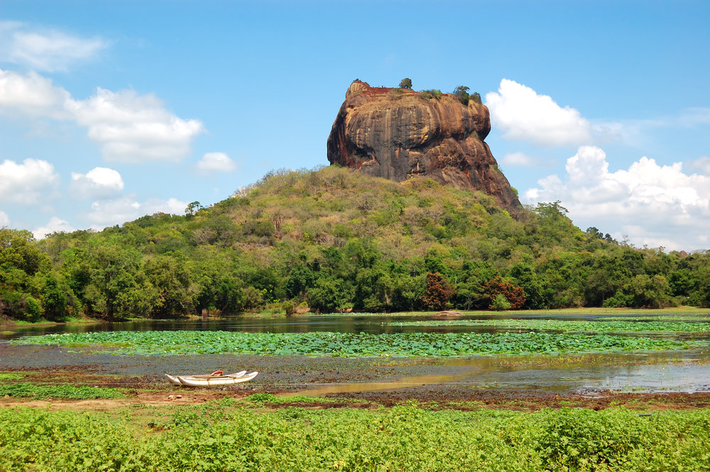 srilanka_lionsrock_bigstock-The-Sigiriya-lion-s-Rock-Is--50105372.jpg