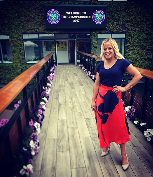 Amazing to be @wimbledon Finals ! Heading to #centrecourt #federervcilic @ellielines #ellielines is it too early for #pimms #wimbledon