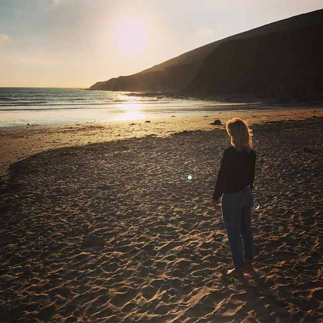 Gotta love the beach, chilled Sunday sundown :) Beautiful ocean #calm #mellow #ions #timeout #outdoors #devon