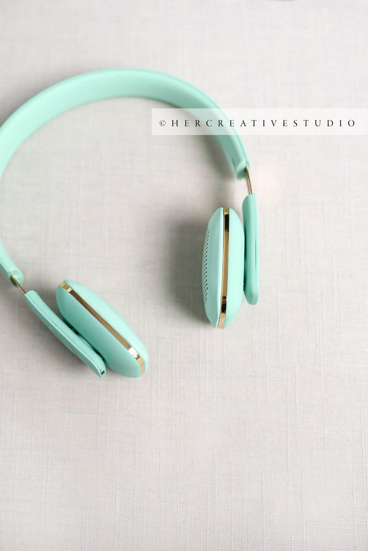 Headphones-on-Linen-IE.jpg