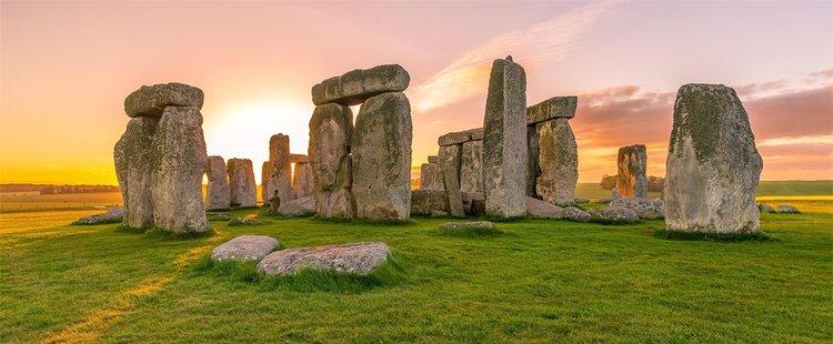 stonehenge.jpeg
