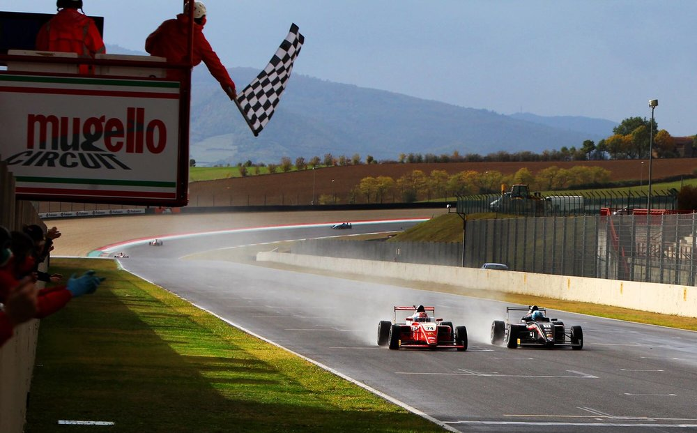 AN EPIC FINISH - 2ND RACE IN MUGELLO - ENZO WINS BY 0.28""