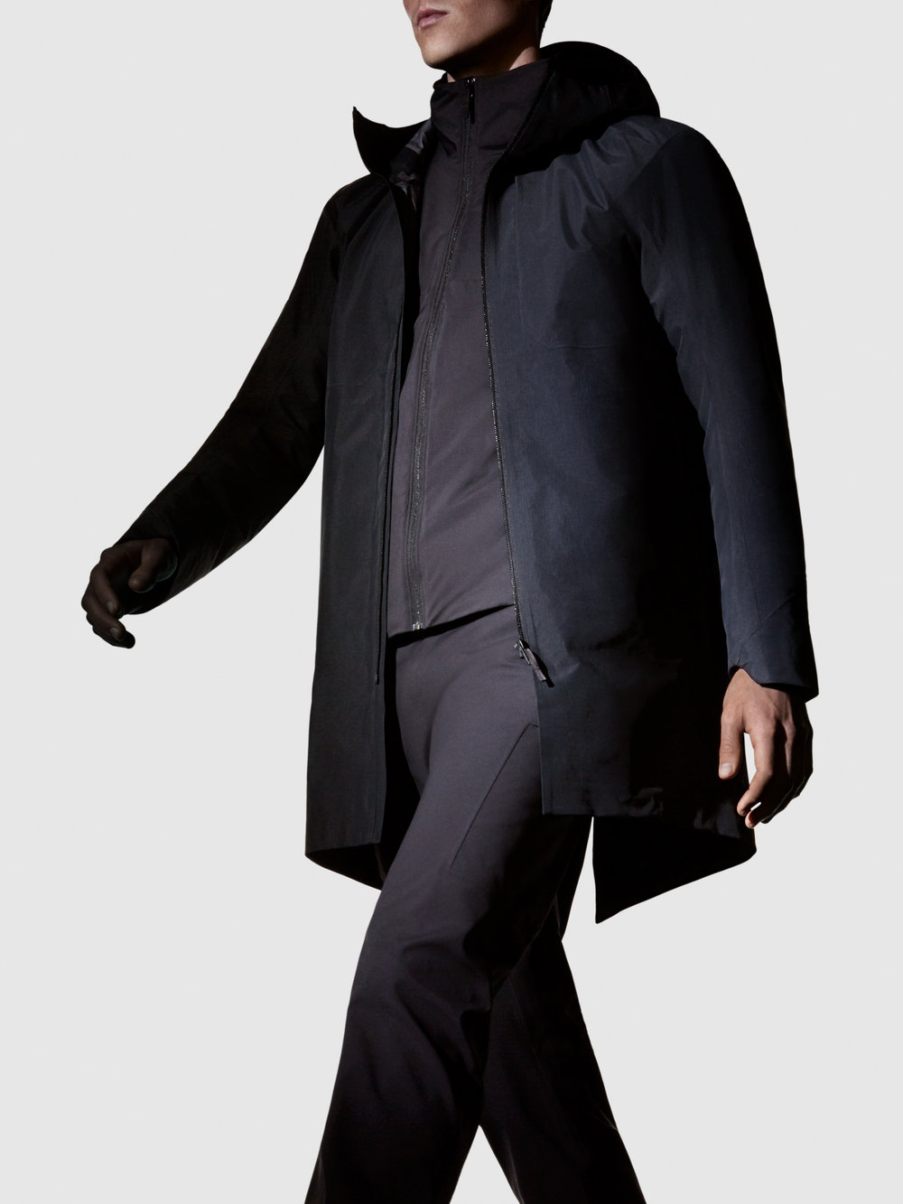 Arcteryx-Veilance-FW17-On-Model-Imagery-Monitor-Coat-01-Portrait-RGB.jpg
