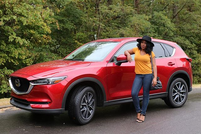 I can't wait to share my experience with the @mazdausa CX-5 on the blog on Friday!! Just know, I loved driving it around town!!! #collab #drivemazda #nashvilleblogger | 📸: @shotsxsi