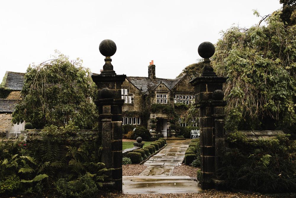 Holdsworth_House_Yorkshire_Wedding_004.jpg