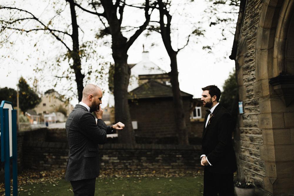 Oakwell_Hall_Yorkshire_rain_wedding_024.jpg