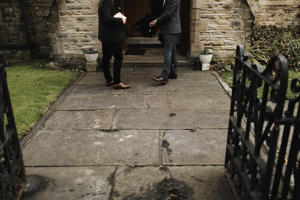 Oakwell_Hall_Yorkshire_rain_wedding_030.jpg