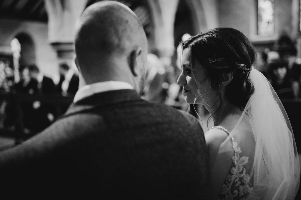 Oakwell_Hall_Yorkshire_rain_wedding_046.jpg